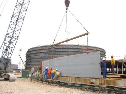 中石化山東日照原油商業儲備基地10萬立油罐配套安裝工程