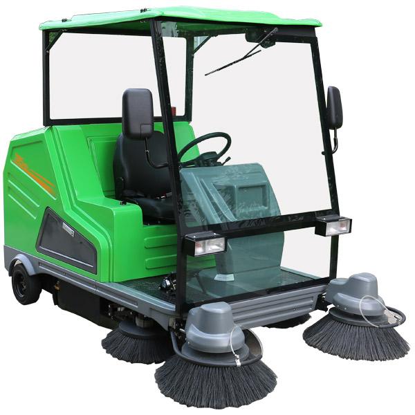CZ1800中大型駕駛掃地車