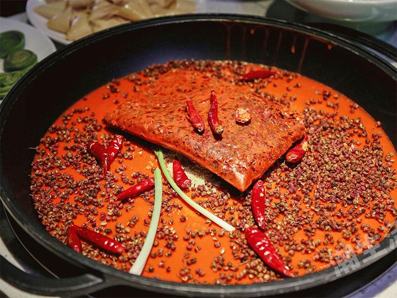 牛油火锅底料的这两种类型,应该如何选择?