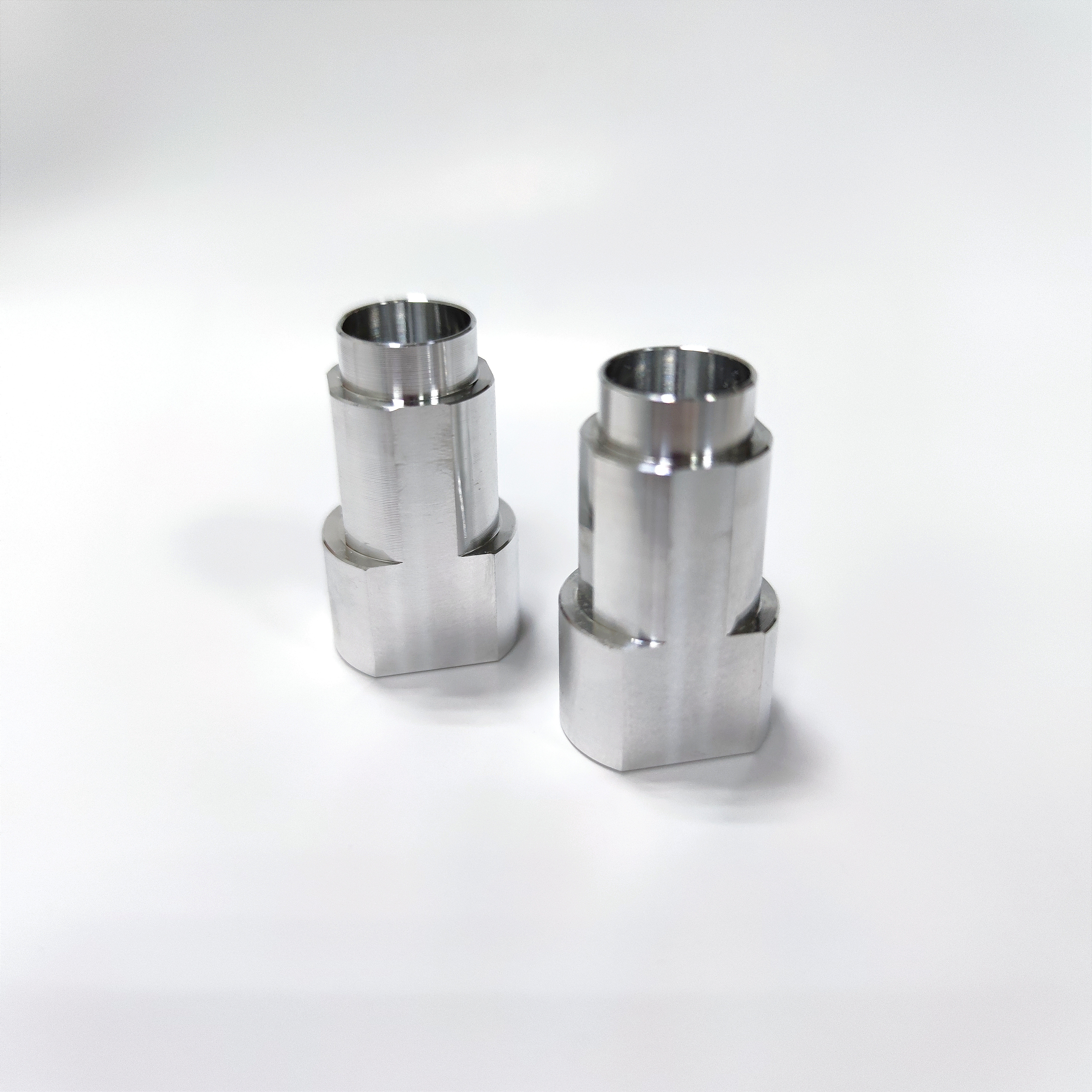 Iron Stainless steel Hardware Connecting Bolts CNC Precision Machining CNC Turning Parts
