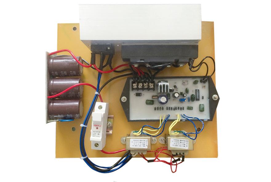 發電機穩壓板