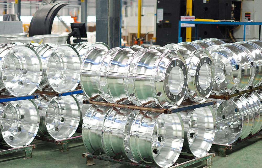 铝合金轮毂存放区