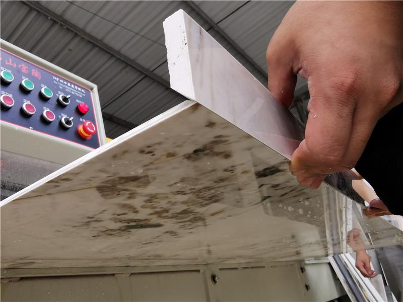 巖板倒角機實現無縫拼接工藝,應用于巖板背景墻櫥柜臺面等