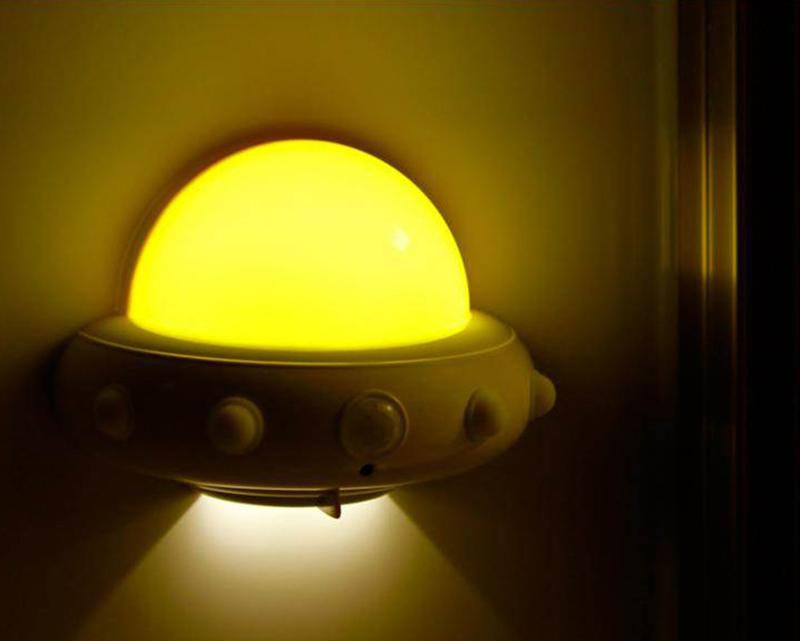 飛碟小夜燈