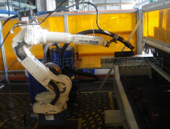 機械臂的吸塵管連接