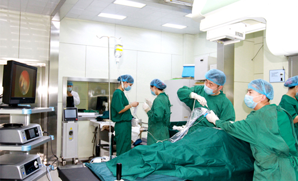 引進國內第一臺JOIMAX頸椎椎間孔鏡數臺腰椎椎間孔鏡及成像系統