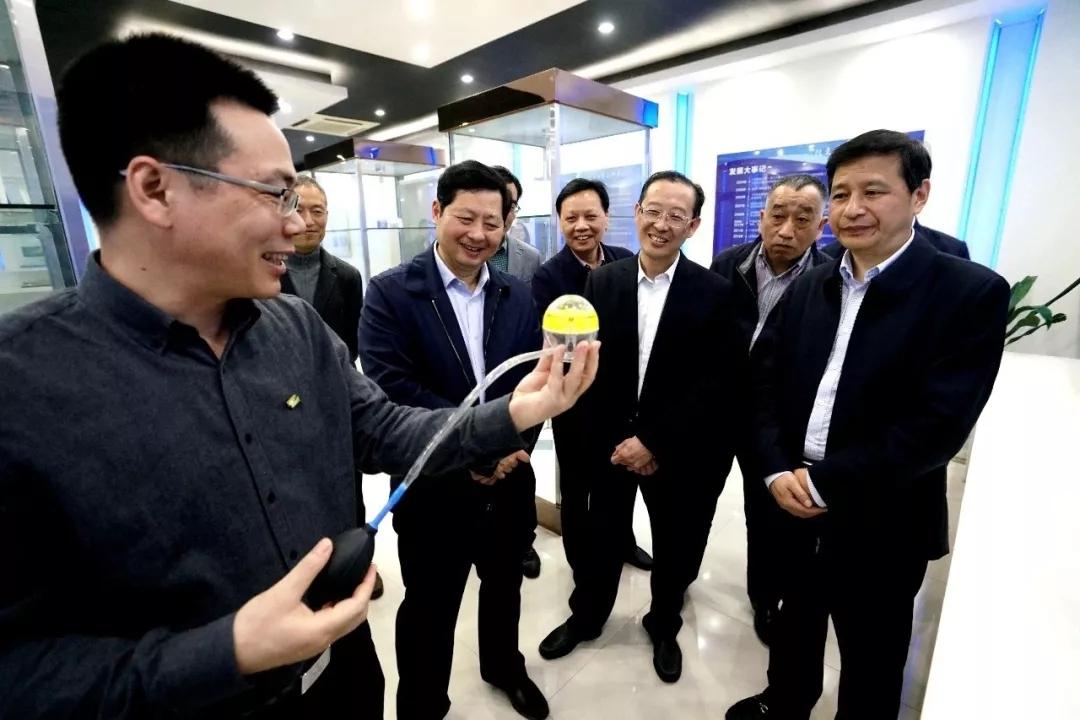 市人大常委會主任譚志桂調研納諾科技