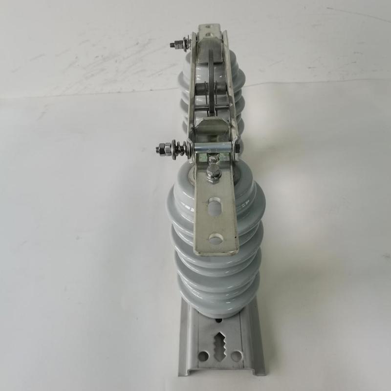 12kV~40.5kV雙柱戶外交流高壓隔離開關4