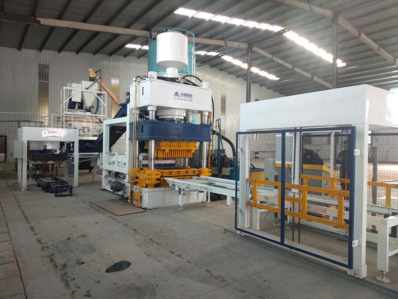 山東800T靜壓制磚機一體化生產現場