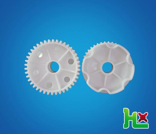 齒輪+圓孔