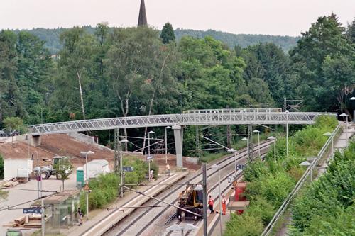 跨鐵路鋁合金人行天橋