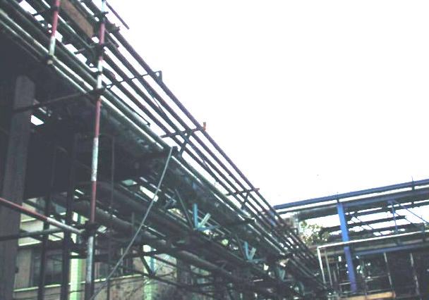 在建的中外合资醋酸酯项目外管施工现场二