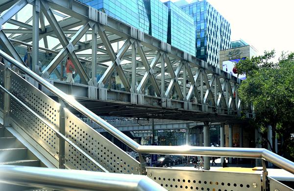 杭州延安路天橋