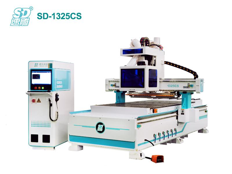 跟隨式直排換刀加工中心 SD-1325CS