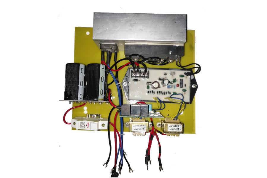 發電機升壓穩壓板