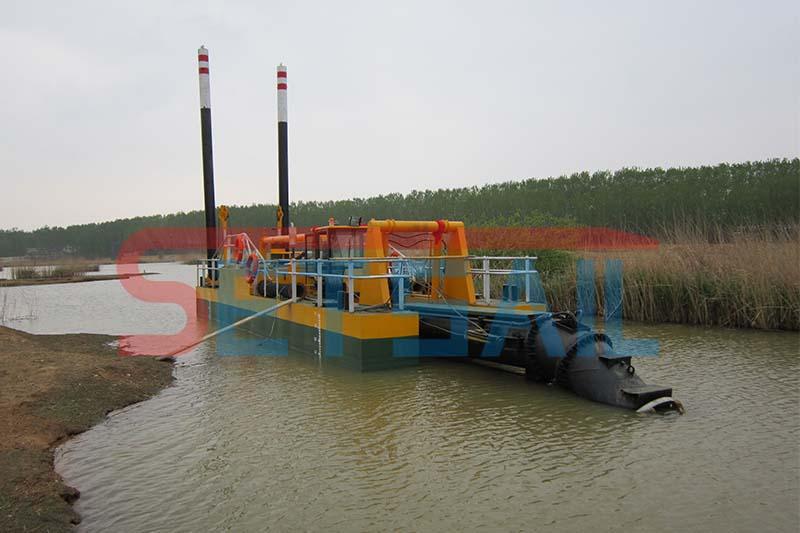 絞吸式清淤船