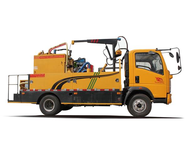 路面養護車(灌縫車)
