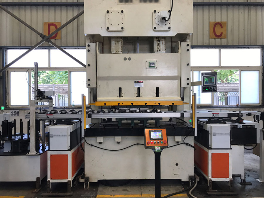 日盈不锈钢增设法兰自动生产线