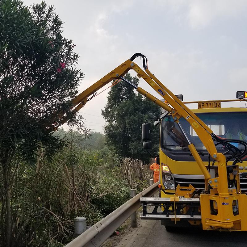 IM700A 綠化綜合養護車