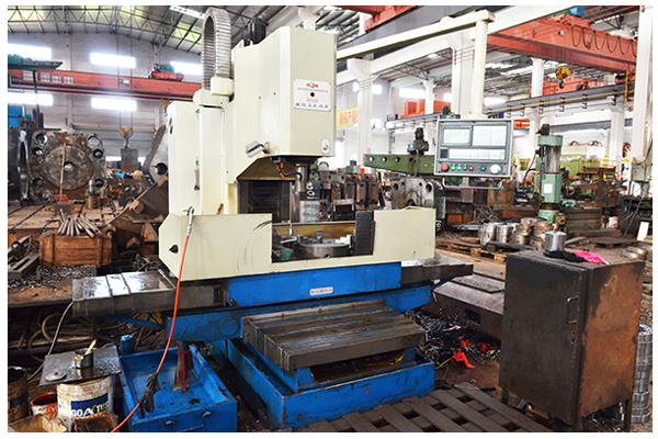 鋁型材擠壓機的工作機制