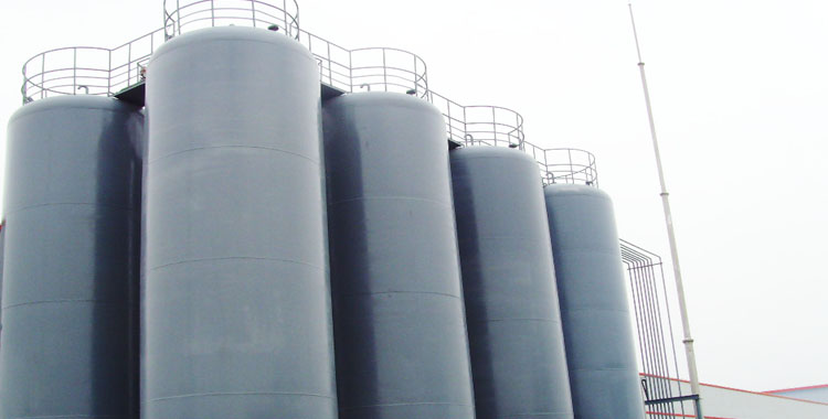 Automatic liquid feed petrochemical system